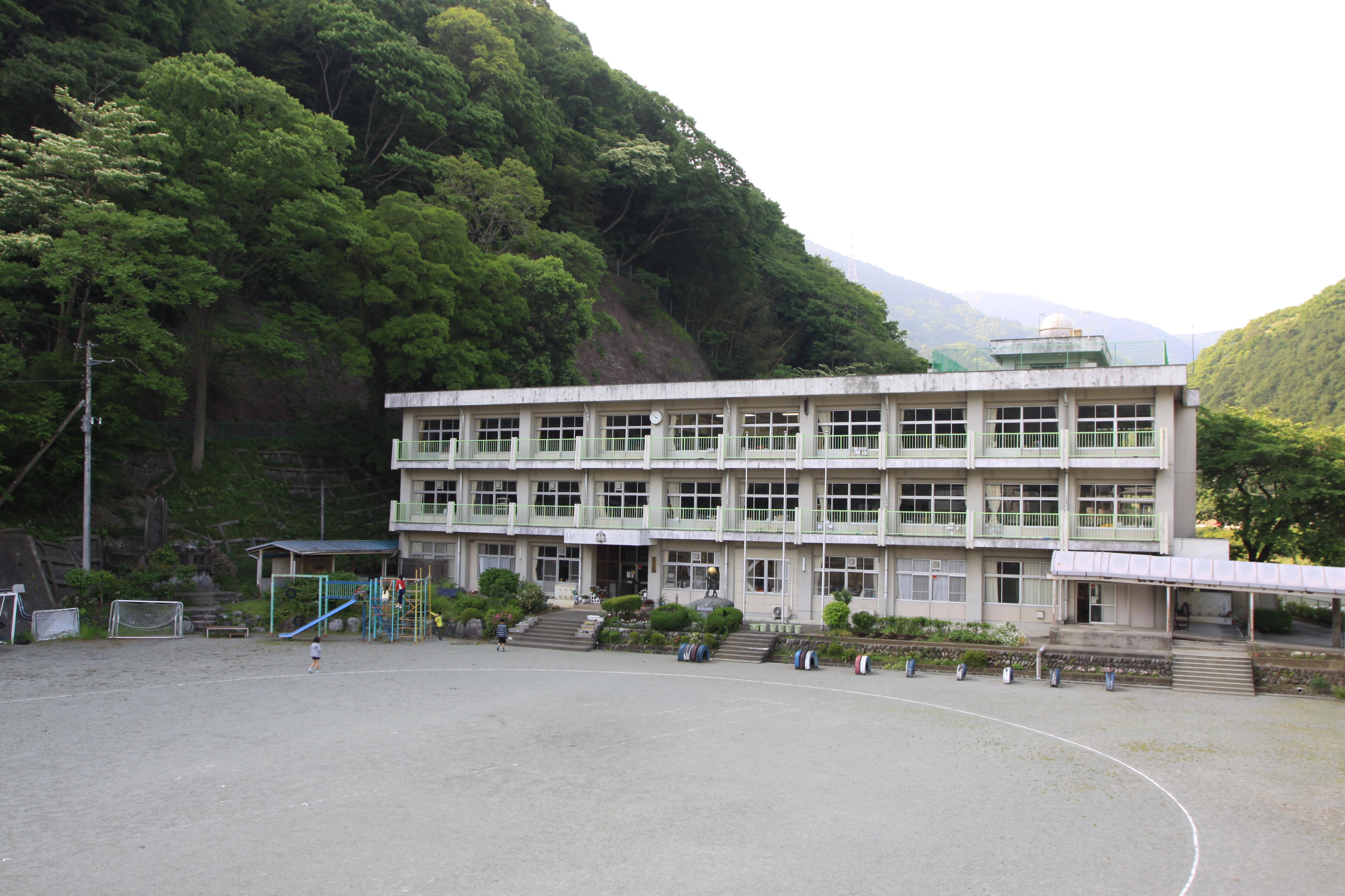 町立小・中学校の紹介 | 山北町